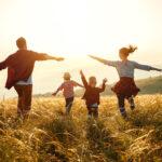 6 Inputs, wie Mütter authentisch und freudvoll ihren lebendigen Alltag meistern.