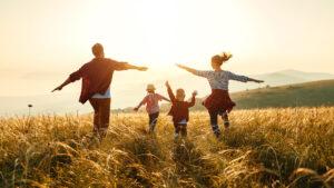 Read more about the article 6 Inputs, wie Mütter authentisch und freudvoll ihren lebendigen Alltag meistern.